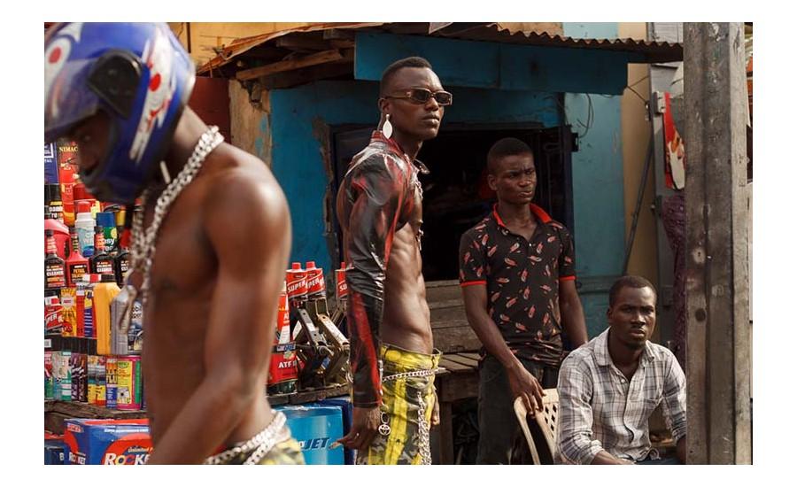 GAN GAN di Dafe Oboro per Mowalola Studio